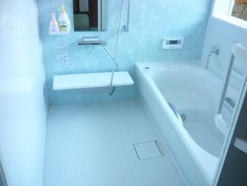 清掃が楽になりました。冬の寒さから解放されそうです。思っていたより広く感じ、浴槽も大きくゆったり入れます。明るくなって気持ちが良いです。