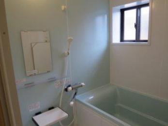 ユニットバスは断熱性が高く温かく冷めにくいのが特徴です。ゆっくりと入浴を楽しむことができます。