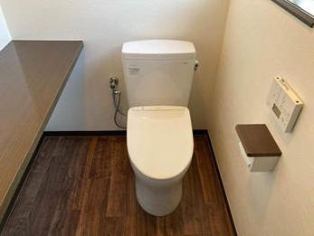 明るく清潔感のあるトイレになりました。毎日の生活も楽しくなりました。