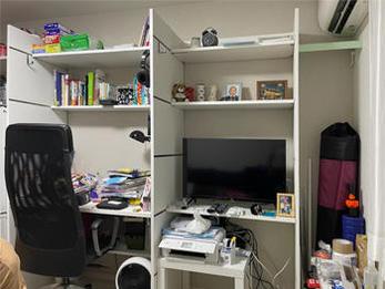 椅子に座って勉強できるので、更に効率良くできそうです。350㎜の法則に感動しました!フックも使い勝手が良く狭かった空間が便利で使い易い空間に変わりました。ありがとうございます。